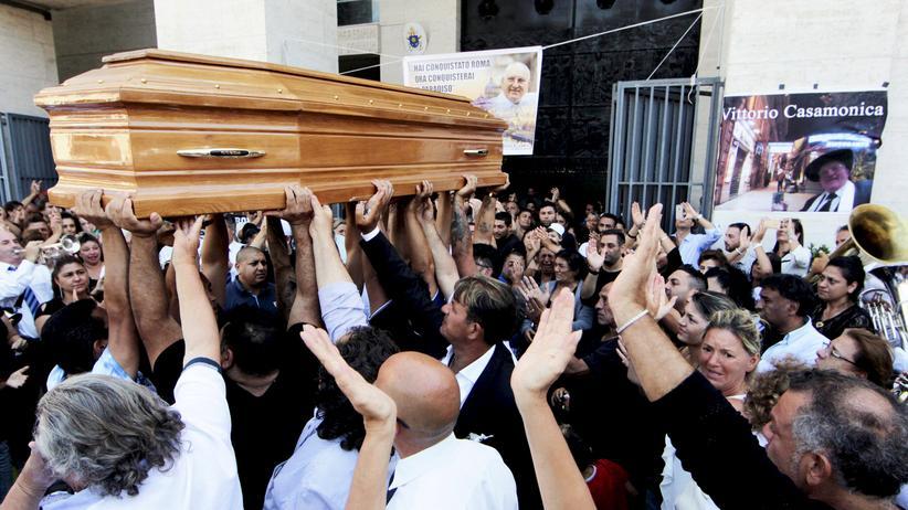 Italien: Eine Mafia-Beerdigung erregt Rom