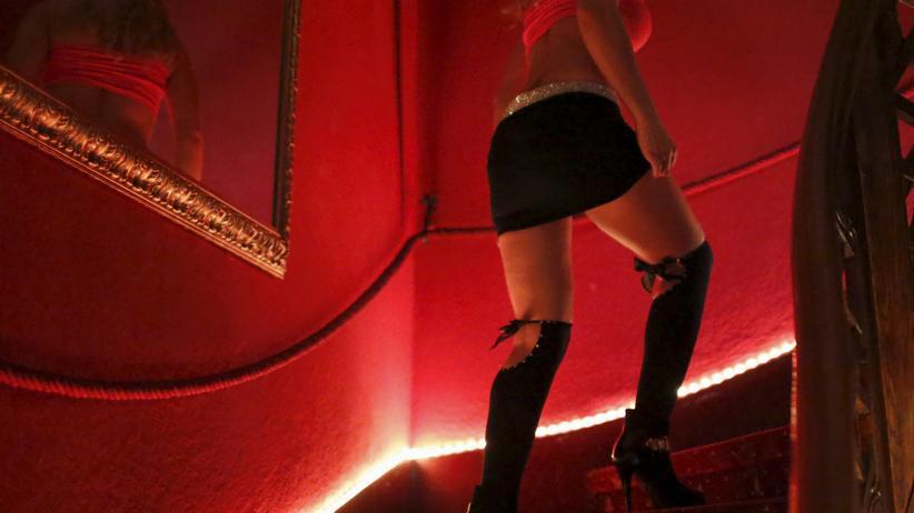 Eine Frau in einem Nachtclub in Salzburg