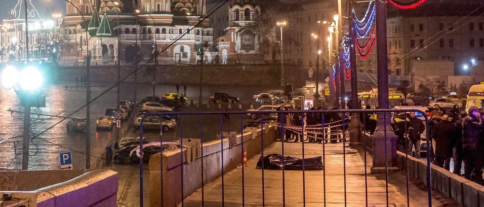Ende Febbruar 2015: Die Leiche Boris Nemzows vor den Mauern des Kremls