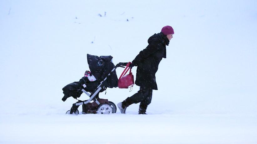 Umfrage Kinderwunsch: Zwei Drittel sind Social Freezing gegenüber aufgeschlossen