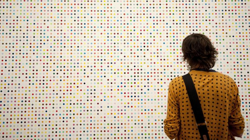 Bedingungsloses Grundeinkommen: Ein Werk des britischen Künstlers Damian Hirst in der Tate Modern in London: Kann das bedingungslose Grundeinkommen zur Entfaltung des Individuums beitragen?
