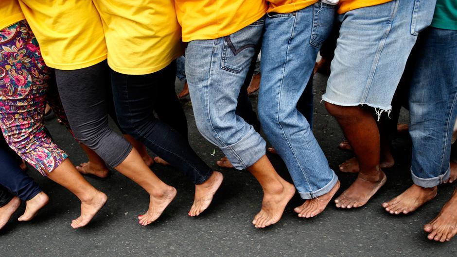 Lesbische Füße Anbetung Jeans