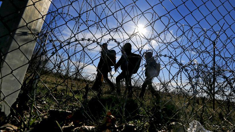 Flüchtlinge in Ungarn: Am ungarischen Grenzzaun zu Serbien