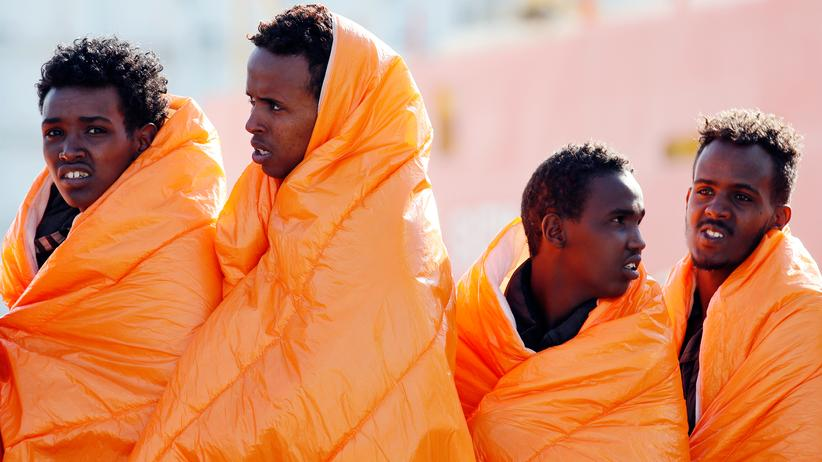 Die italienische Küstenwache muss mehr Flüchtlinge aus Seenot retten.