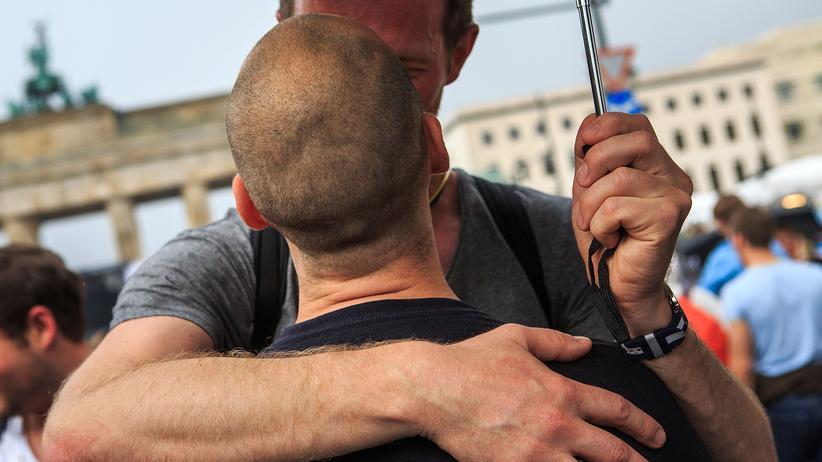 Homo-Ehe: Berliner Kirchen trauen sich