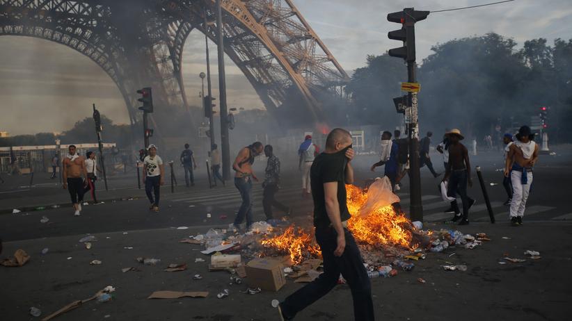 EM-Finale: Polizei setzt Tränengas gegen Randalierer ein