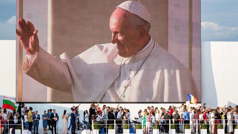 Polen: Papst fordert: Runter vom Sofa!