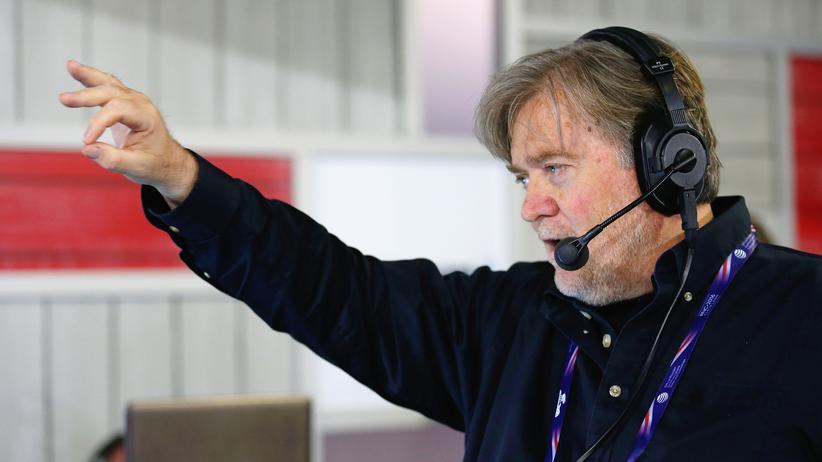 """""""Breitbart News"""": Stephen Bannon war früher Chef von Breitbart News und leitet jetzt Donald Trumps Wahlkampfteam."""