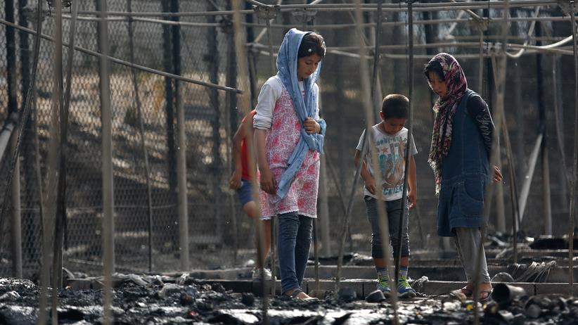 Lesbos: Migranten nach Feuer in Flüchtlingslager festgenommen