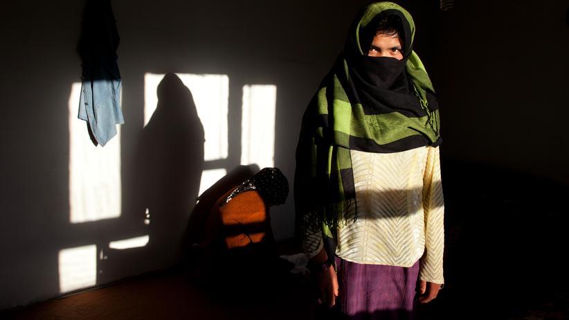 Kinderehen: Eine 17-jährige Afghanin, die mit 11 verheiratet wurde, in einem Frauenhaus in Bamiyan