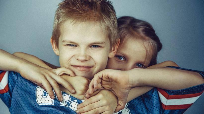 Geschwister: Bruder und Schwester