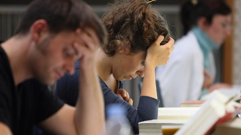 Studium: Für die aktuelle Studie der Stiftung Mercator wurden fast 28.000 Abiturienten und Studierende befragt.