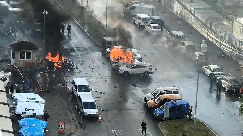 Türkei: Tote und Verletzte bei Anschlag in Izmir