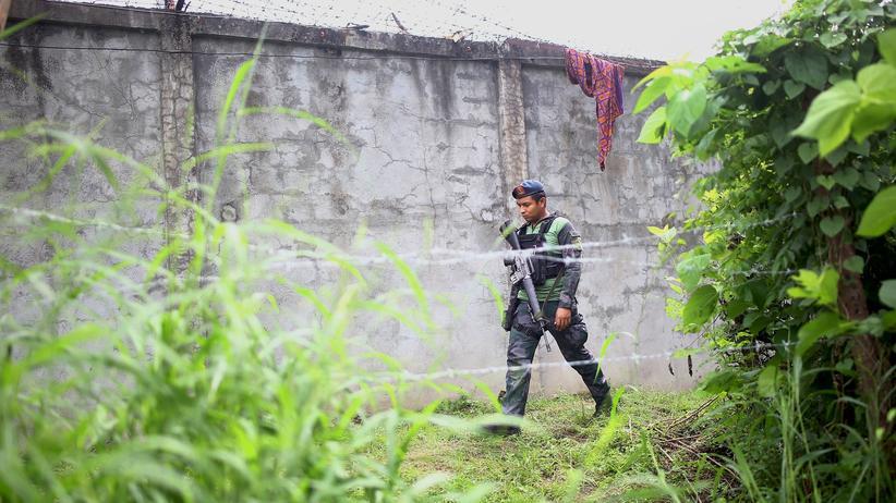 Philippinen: Ein Polizist an dem Gefängnis in Kidapawan, Philippinen