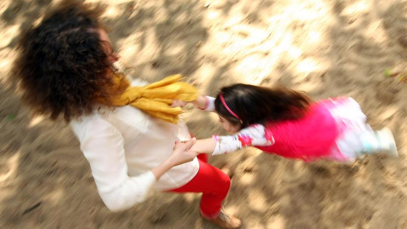 Mütter in Deutschland: Schlecht bezahlte Teilzeitjobs