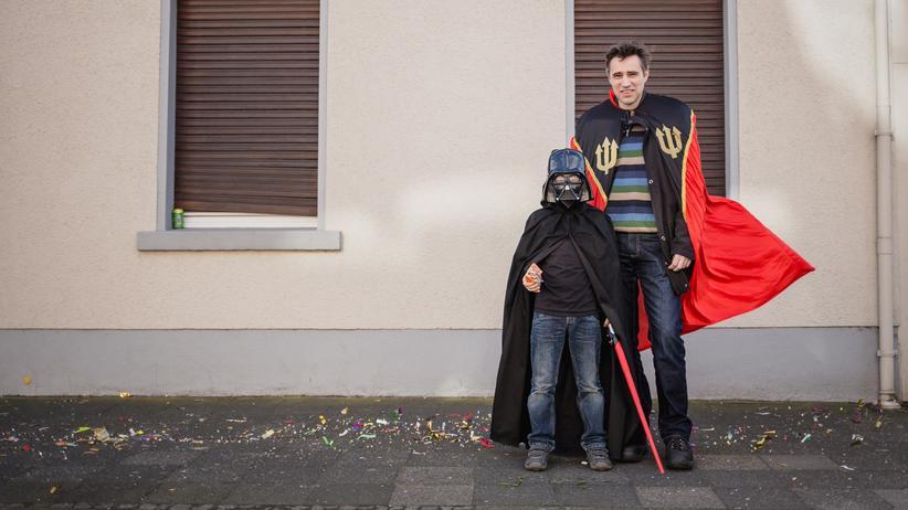 Tönisvorst: Zwei Bürger von Tönisvorst trotzen dem Terror beim Karneval.