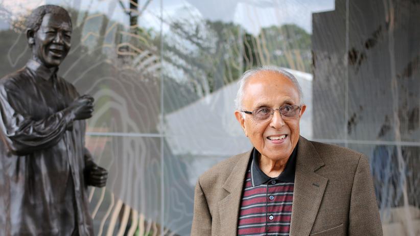 Ahmed Kathrada: Mandela-Gefährte und Antiapartheidkämpfer gestorben