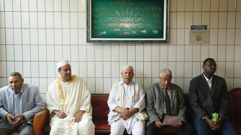 """""""Inside Islam"""": Muslimische Männer in einer Moschee in Moabit"""