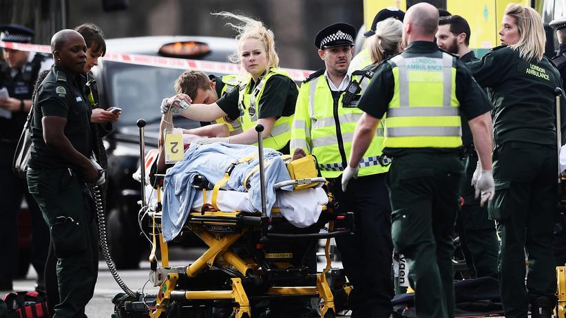 Angriff in London: Rettungskräfte in der Nähe der Westminster Bridge