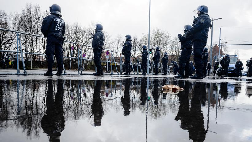 Polizeiliche Kriminalstatistik: Politische Straftaten auf Höchststand