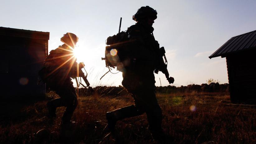 Terrorverdächtiger Soldat: Der Bundeswehrsoldat Franco A. muss sein Doppelleben sehr aufwendig durchorganisiert haben.