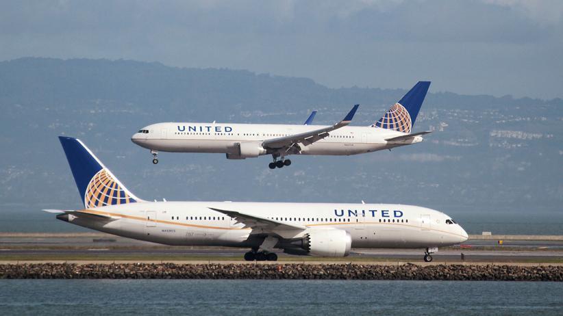 United Airlines: Amerikanische Fluggesellschaften nehmen häufig mehr Buchungen an, als es Sitzplätze gibt.