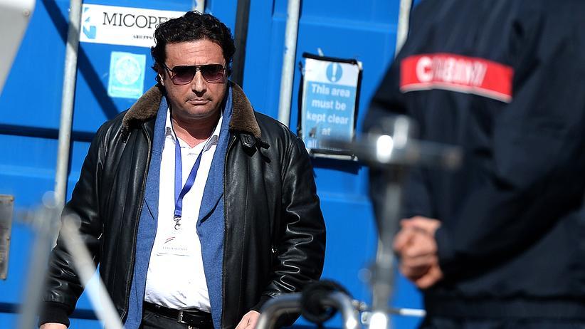 """Francesco Schettino: Kapitän der """"Costa Concordia"""" muss ins Gefängnis"""