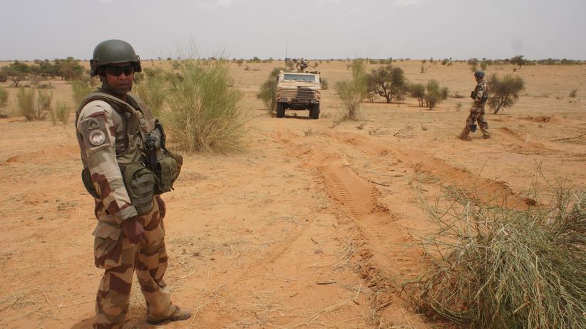 Militäreinsatz in Mali: Französische Armee greift Islamistenversteck an