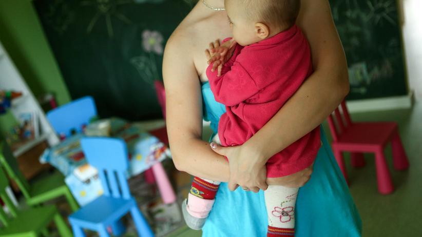Arbeitsschutz: Mütter stehen in den Wochen vor und nach der Geburt unter einem gesetzlichen Arbeitsschutz.