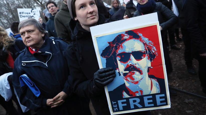 Türkei: Proteste gegen die Inhaftierung des deutschen Journalisten Deniz Yücel im Februar 2017 in Berlin