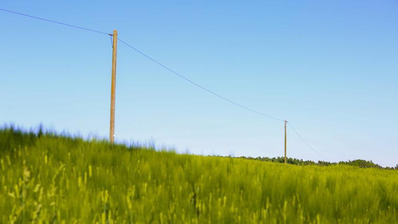 Internet: Stromleitung bei Schlamberg