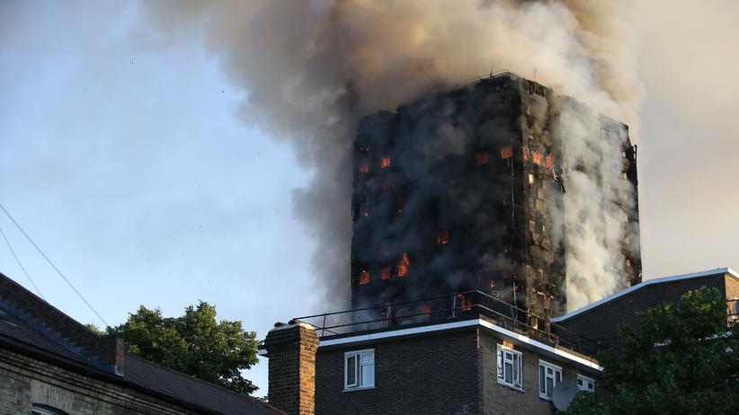 Großbrand: Zwölf Tote bei Hochhausbrand in London