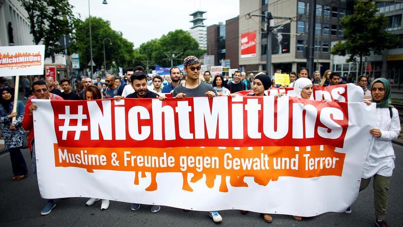 Antiterrorproteste: Muslime auf dem Kölner Friedensmarsch am 17.Juni 2017
