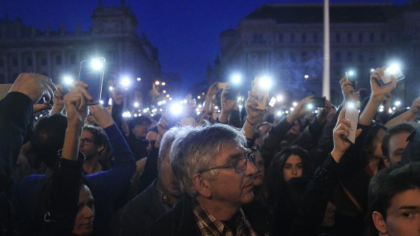 Ungarn führt strikte Auflagen für NGOs ein