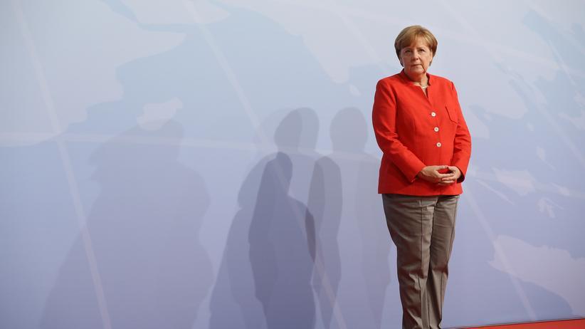 Angela Merkel : Die Bundeskanzlerin im Wirrwarr der Fake-News