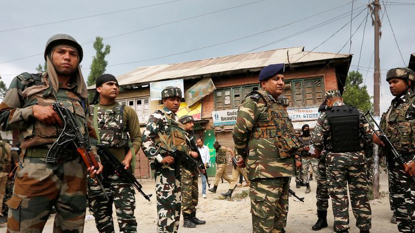 Kaschmir: Indische Sicherheitskräfte in Kaschmir