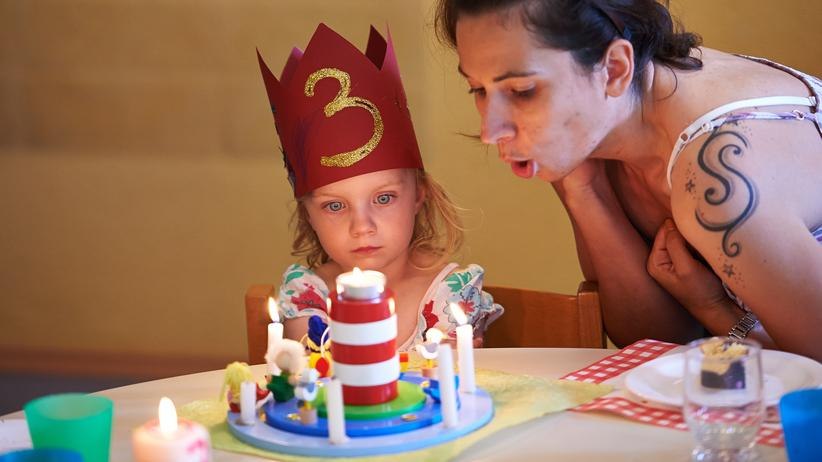 Kinderbetreuung: Ihren dritten Geburtstag feiern immer mehr Kinder in der Kita– so wie Mathilda.