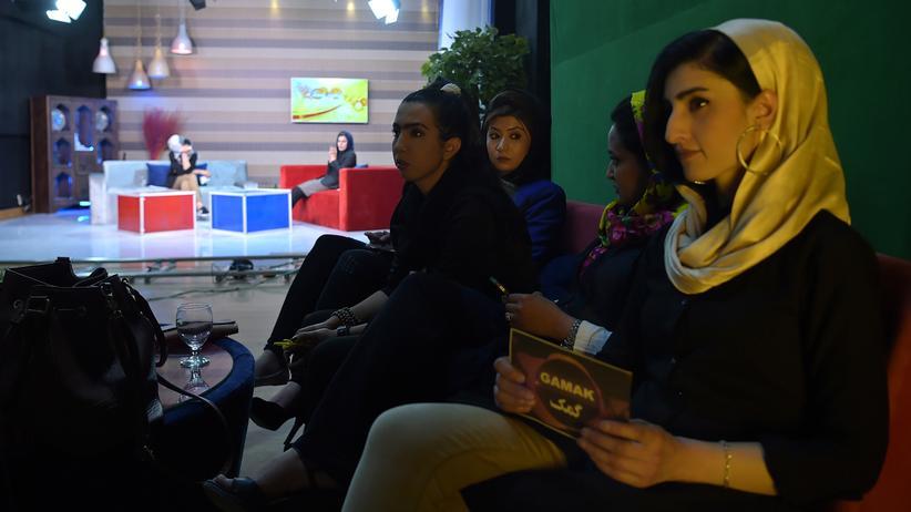 Afghanistan: Moderatorinnen im Studio von Zan TV in der afghanischen Hauptstadt Kabul