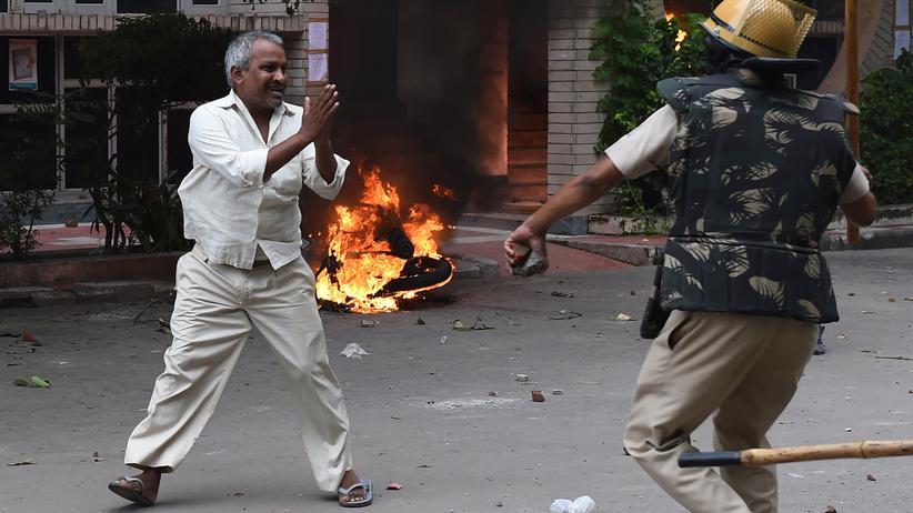 Indien: Ausschreitungen nach der Verkündung des Urteils am vergangenen Freitag