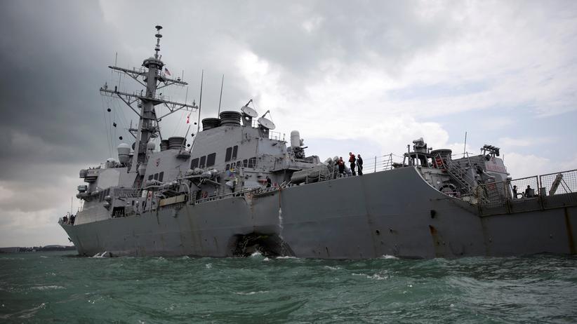 Schiffsunglück: Taucher entdecken mehrere Tote in US-Kriegsschiff