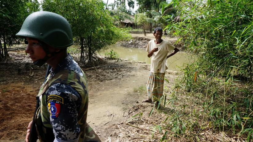 Rohingya: Ein Grenzbeamter der Regierung im Norden des Bundesstaates Rakhaing (ehemals Arakan)