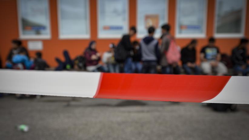 Medien: Security vermittelt Flüchtinge in Prostitution