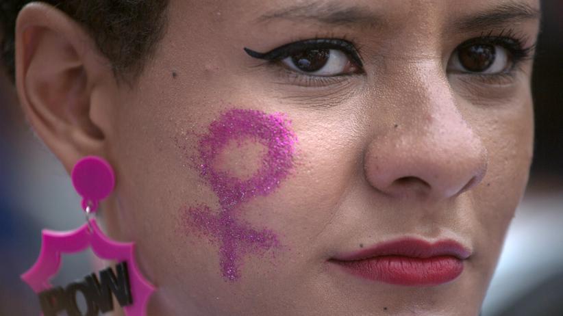 Diskriminierung: Um Frauenbelange zu fördern, soll das Amt der Gleichstellungsbeauftragten in Mecklenburg-Vorpommern in der Hand von Frauen bleiben.