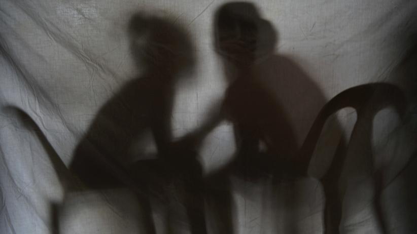 Verfahren: Zwei Kinder spielen im Büro der Hilfsorganisation Preda. Zuvor hatten philippinische Behörden sie aus der Gefangenschaft eines Kinderpornografierings befreit.