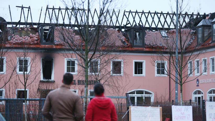 Bundeskriminalamt: Eine geplante Asylbewerberunterkunft nach einem Brandanschlag in Bautzen