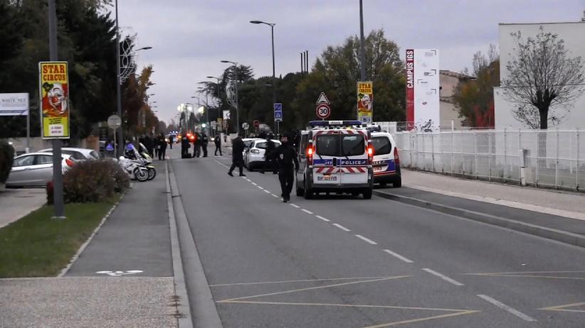Frankreich: Auto fährt in Passantengruppe – drei Verletzte