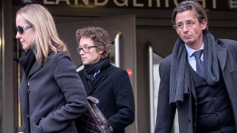 Urteil im Schlecker-Prozess: Meike und Lars Schlecker (2. von links) in Stuttgart.