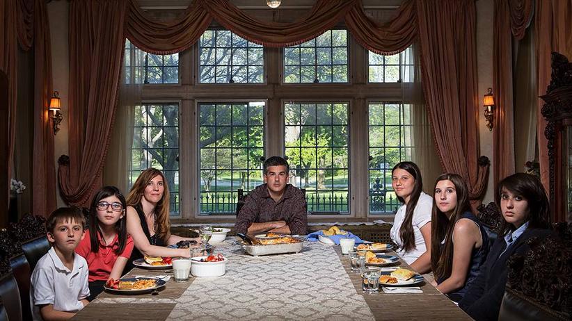 Familien-Porträts: Die unterschiedlichen Gewohnheiten, mit der Familie Abendbrot zu essen