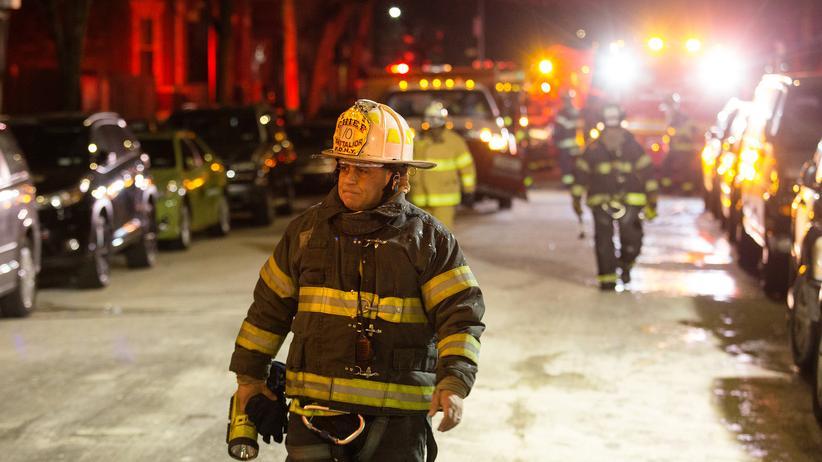 New York: Kind verursachte Wohnhausbrand in der Bronx