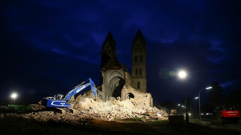 Erkelenz: Die Abrissarbeiten an der Kirche Sankt Lambertus haben begonnen.
